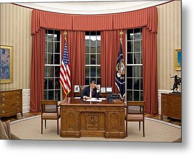 President Barack Obama Edits Metal Print by Everett