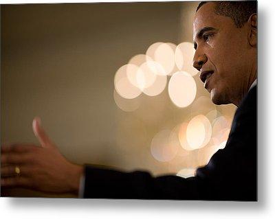 President Barack Obama Speaks Metal Print by Everett