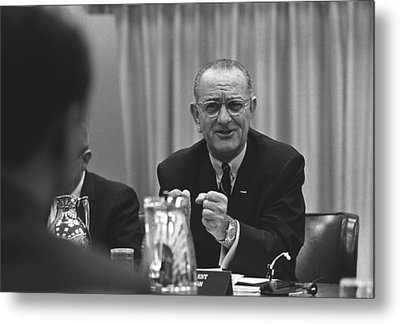 President Lyndon Johnson Gesturing Metal Print by Everett