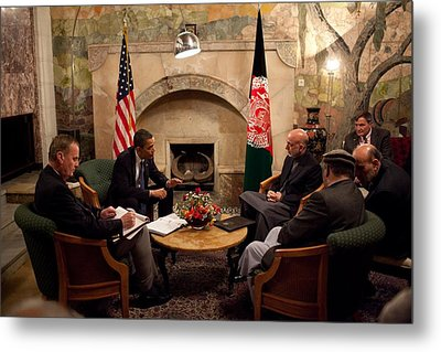 President Obama Meets With Afghan Metal Print by Everett