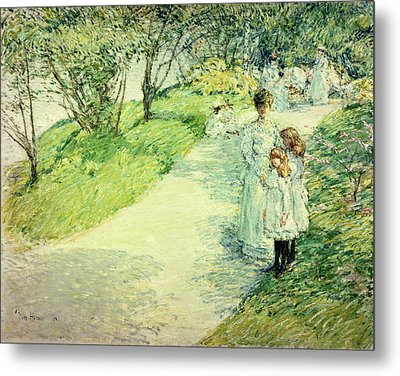 Promenaders In The Garden Metal Print by Childe Hassam