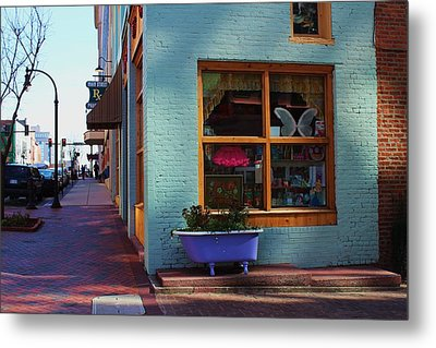 Metal Print featuring the photograph Purple Tub by Bob Whitt