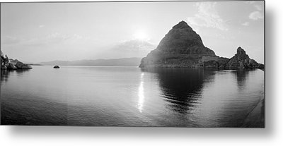 Pyramid Lake Metal Print
