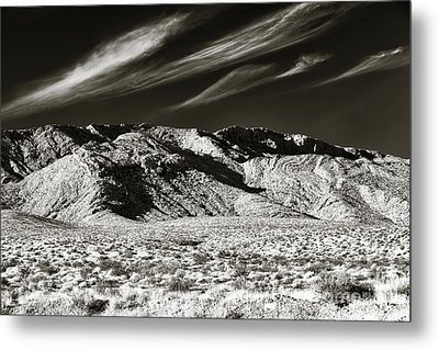 Quiet In The Valley Metal Print by John Rizzuto
