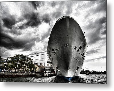 Ready To Cruise Metal Print by Douglas Barnard