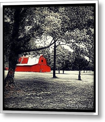 Red Barn Metal Print by Mari Posa