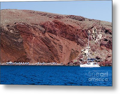 Metal Print featuring the photograph Red Beach by Leslie Leda