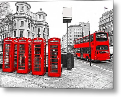 Metal Print featuring the photograph Red London by Luciano Mortula