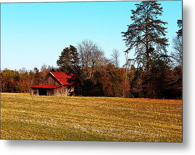 Metal Print featuring the photograph Red Roof Tobacco Barn by Bob Whitt