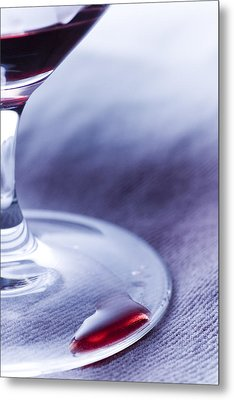 Red Wine Glass Metal Print by Frank Tschakert