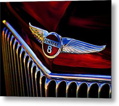 Red Wings Metal Print by Douglas Pittman