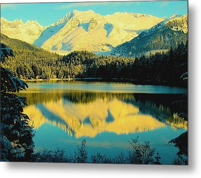Metal Print featuring the photograph Reflecting On Auke Lake by Myrna Bradshaw