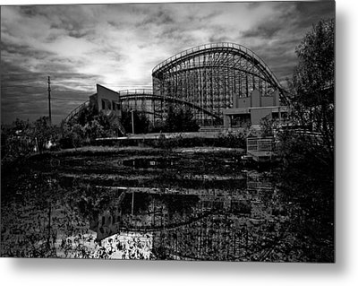 Reflections Of The Mega Zeph Metal Print by Pixel Perfect by Michael Moore