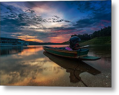 Rest Time Wood Boat Metal Print by Arthit Somsakul