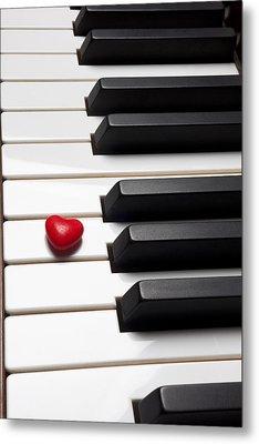 Row Of Piano Keys Metal Print by Garry Gay