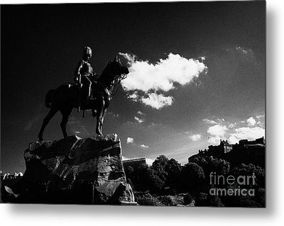 Royal Scots Greys Boer War Monument In Princes Street Gardens With Edinburgh Castle In The Backgroun Metal Print by Joe Fox