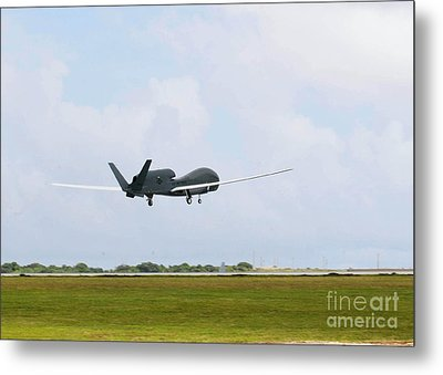 Rq-4 Global Hawks First Flight Metal Print by Photo Researchers