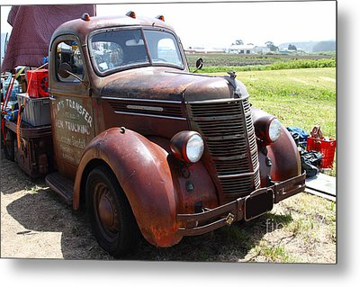 Rusty Old 1935 International Truck . 7d15498 Metal Print by Wingsdomain Art and Photography