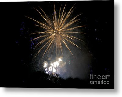 Metal Print featuring the photograph Rvr Fireworks 1 by Mark Dodd