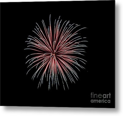 Metal Print featuring the photograph Rvr Fireworks 12 by Mark Dodd