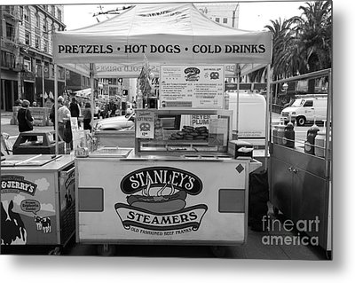 San Francisco - Stanley's Steamers Hot Dog Stand - 5d17929 - Black And White Metal Print by Wingsdomain Art and Photography