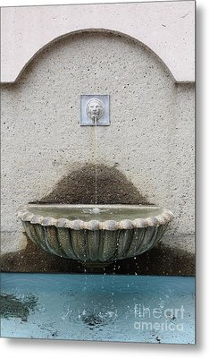 San Francisco Crocker Galleria Roof Garden Fountain - 5d17895 Metal Print by Wingsdomain Art and Photography