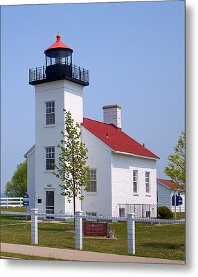 Metal Print featuring the photograph Sand Point Lighthouse In Escanaba Mi by Mark J Seefeldt
