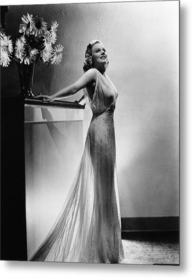 Saratoga, Jean Harlow, In A Gown Metal Print by Everett