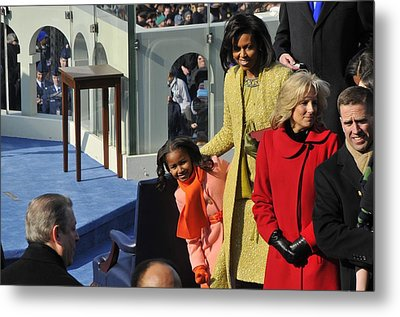 Sasha Obama Peeks Around Her Mother Metal Print by Everett
