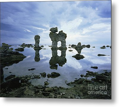 Sea Arch Metal Print by Bjorn Svensson and Photo Researchers