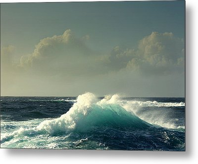 Sennen Surf Seascape Metal Print by Linsey Williams