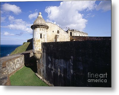 Sentry Post On The Wall In San Cristobal Fort Metal Print by George Oze