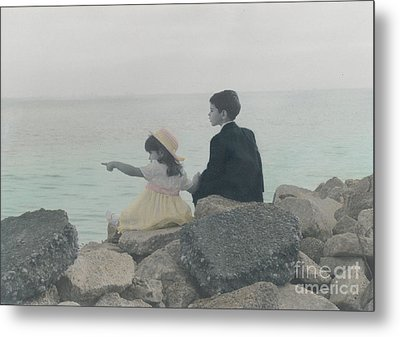 Metal Print featuring the photograph Sharing by Lori Mellen-Pagliaro