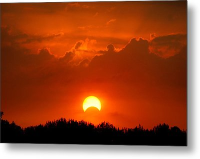 Solar Eclipse Metal Print by Bill Pevlor