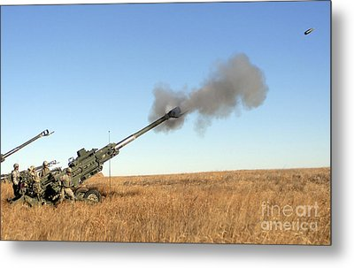 Soldiers Fire A 155mm M777 Lightweight Metal Print by Stocktrek Images