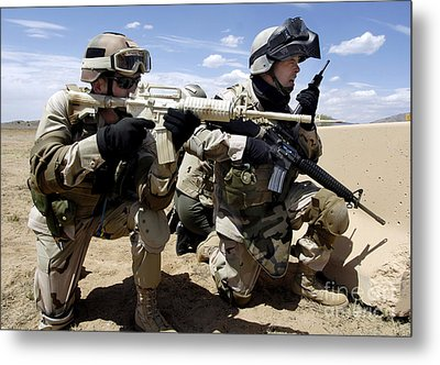 Soldiers Respond To A Threat Metal Print by Stocktrek Images