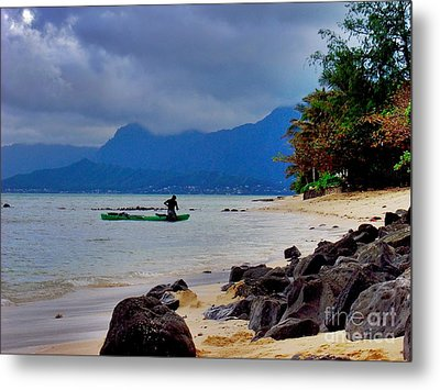 Metal Print featuring the photograph Solo Canoe by Joe Finney