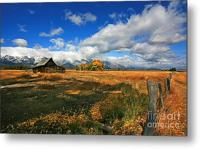 South Moulton Barn Metal Print by Clare VanderVeen