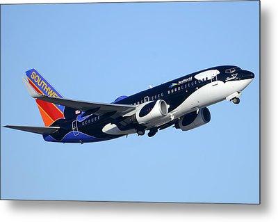 Southwest 737-7h4 N713sw Shamu Phoenix Sky Harbor Arizona December 23 2011 Metal Print by Brian Lockett