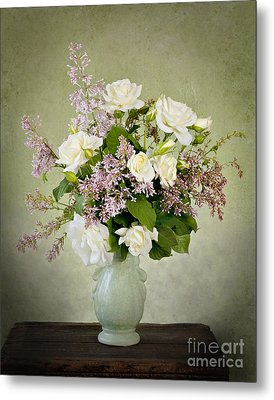 Metal Print featuring the photograph Spring Fragrance by Cheryl Davis