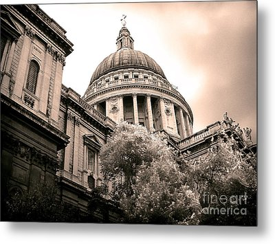 St. Paul's Cathedral Metal Print by Thanh Tran