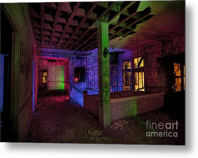 Stairwell Of The Stamford Hotel Metal Print by Keith Kapple