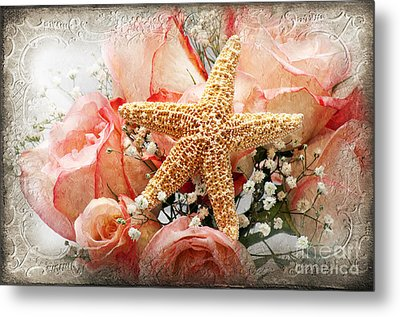 Starfish And Pink Roses Metal Print by Andee Design