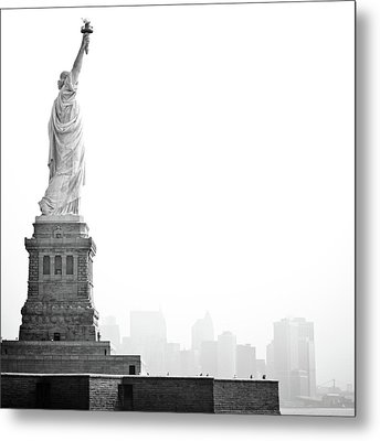 Statue Of Liberty Metal Print by Image - Natasha Maiolo