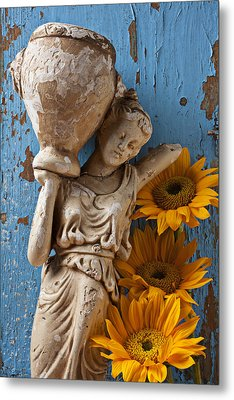Statue Of Woman With Sunflowers Metal Print by Garry Gay