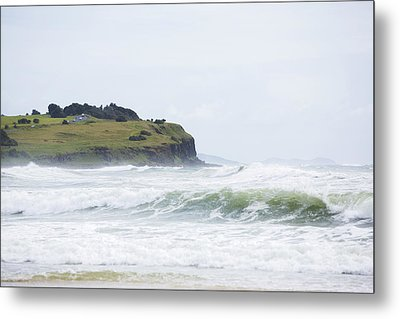 Storm Swell Waves On A Beach Metal Print by David Freund