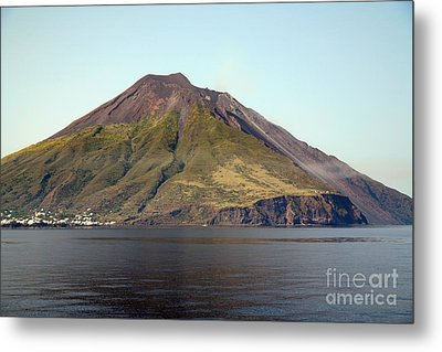 Stromboli Volcano, Aeolian Islands Metal Print by Richard Roscoe