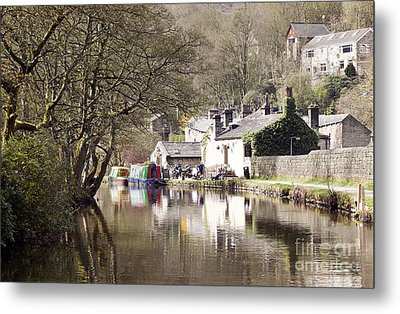 Stubbing Wharf On The Rochdale Canal Metal Print by John Gaffen