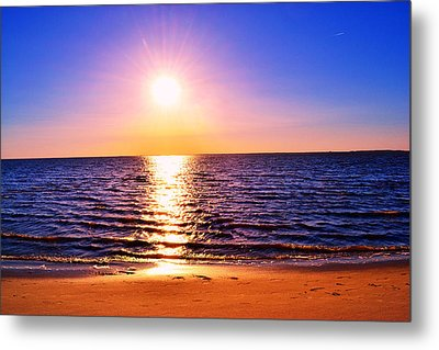 Metal Print featuring the photograph Sunburst by Kelly Reber