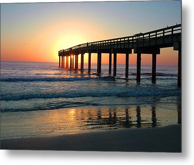 Sunrise At The Pier Metal Print by Rod Seel